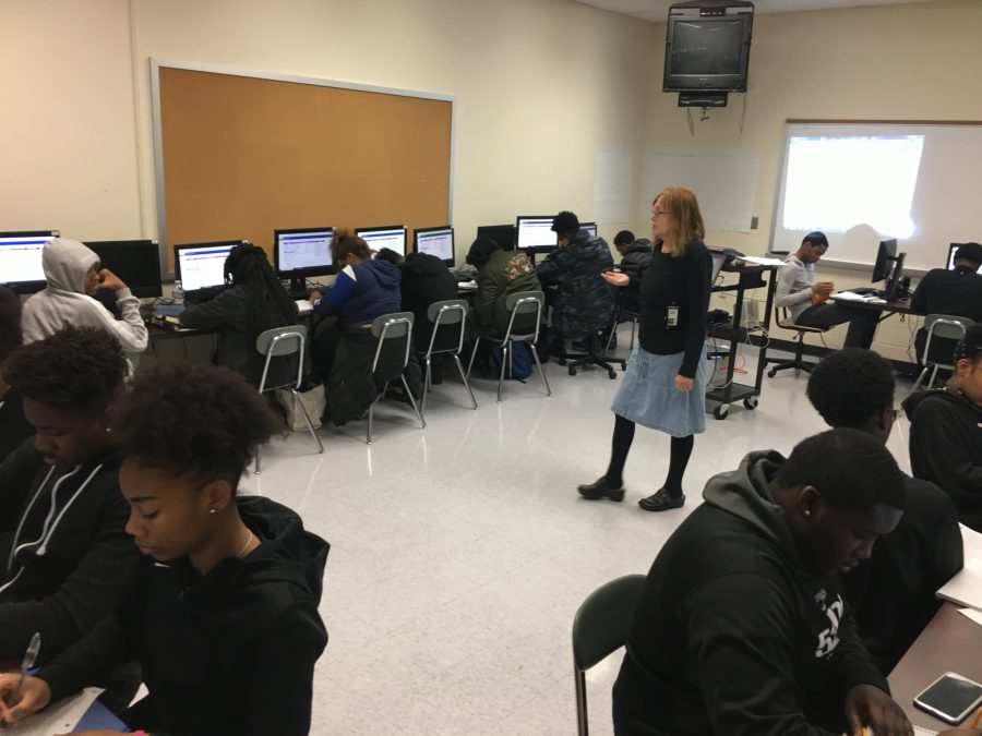 Mrs. Goff teaches students  how to conduct research for the senior projects.