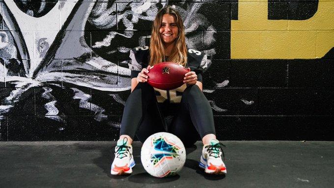 Goalkeeper+Sarah+Fuller+Punts+her+way+into+Football+History